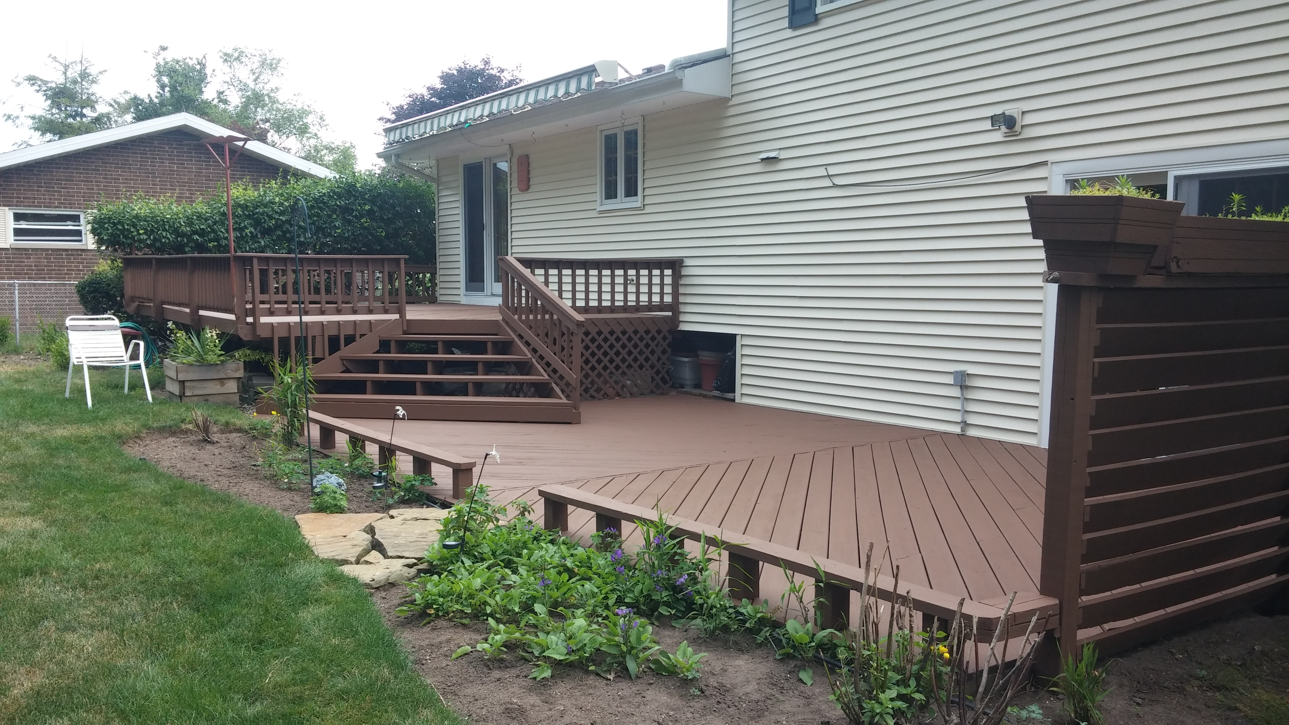 Deck Staining in North Olmsted, Ohio