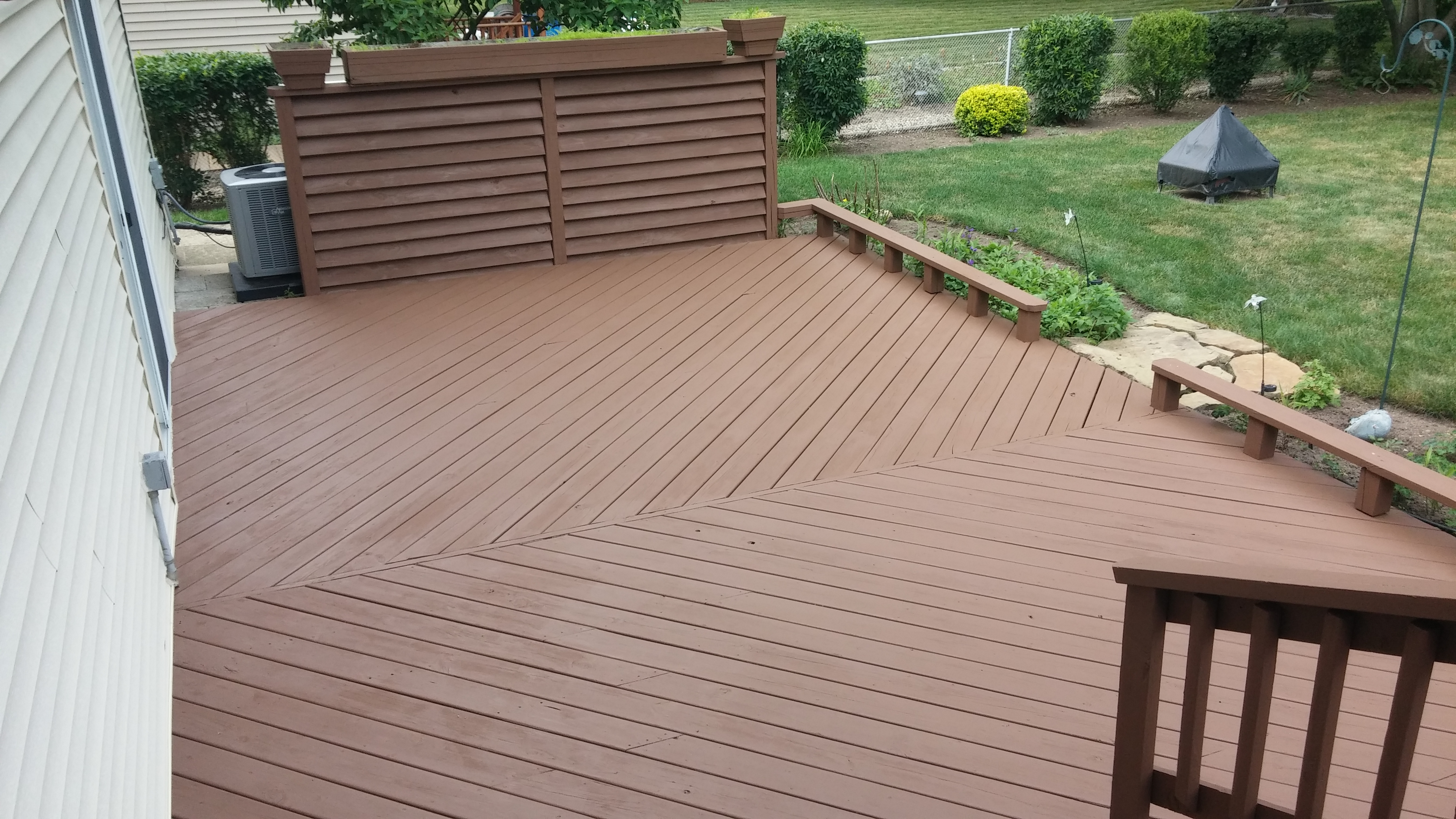 Deck in North Olmsted Staining
