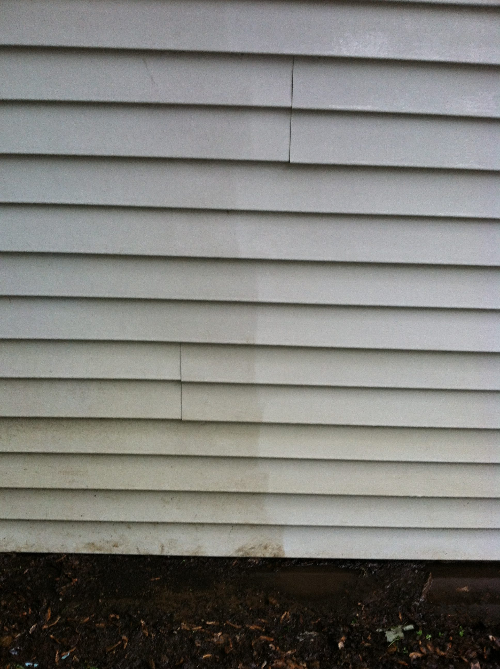 During - Direct Comparison Between Dirty and Clean Vinyl Siding