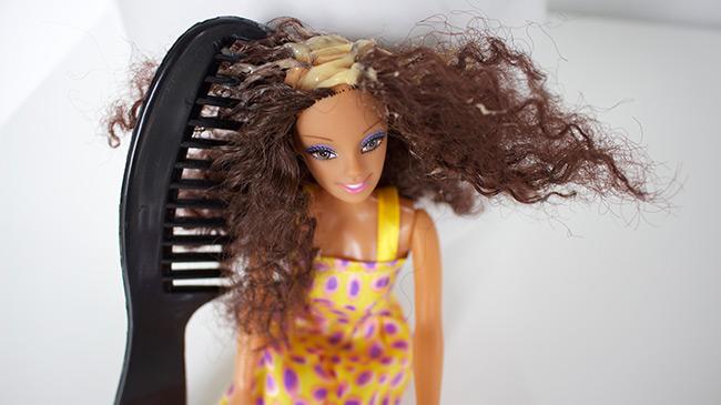 first-doll-mielle-organics-comb-in-hair
