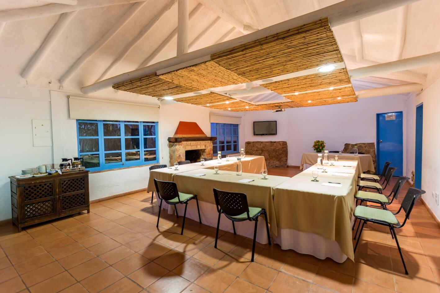 Villa Inglés Immersion Course hotel dining room