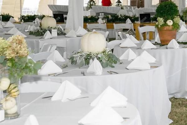 linen-tables