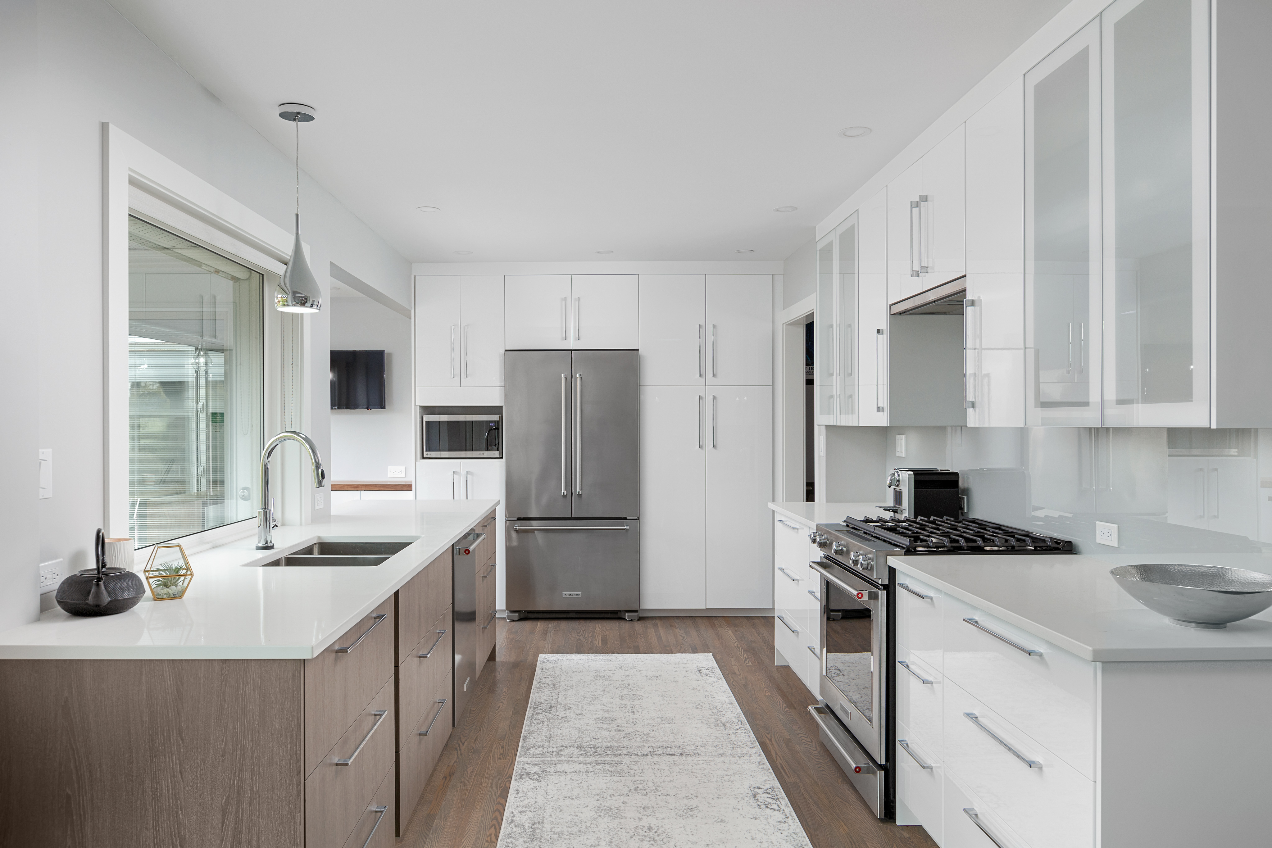Contemporary Kitchen Remodel – Before and After