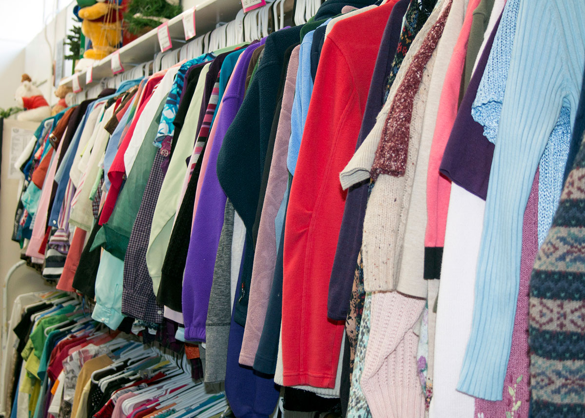Soroptimist-Whitefish-Thrift-Haus-Clothes