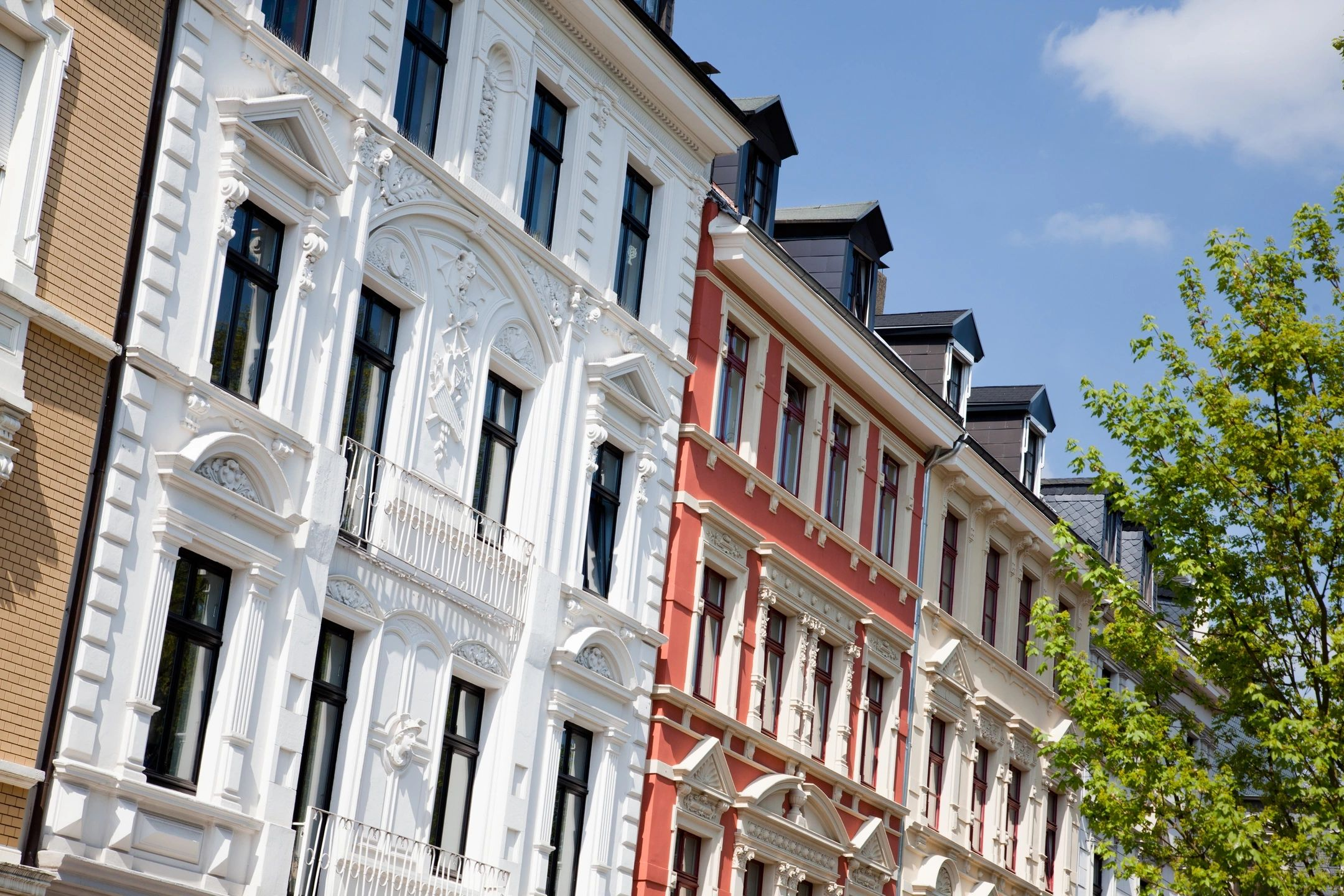 How to Find and Rent your first New York Apartment without a Credit History