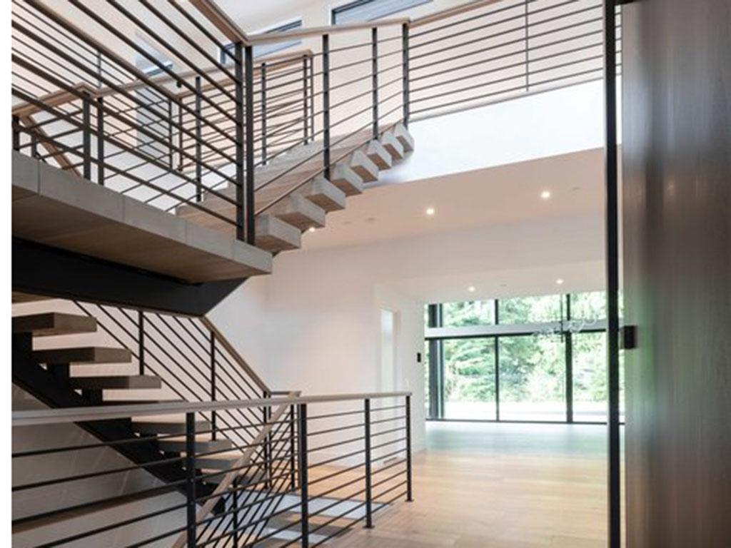 Metal_stairs