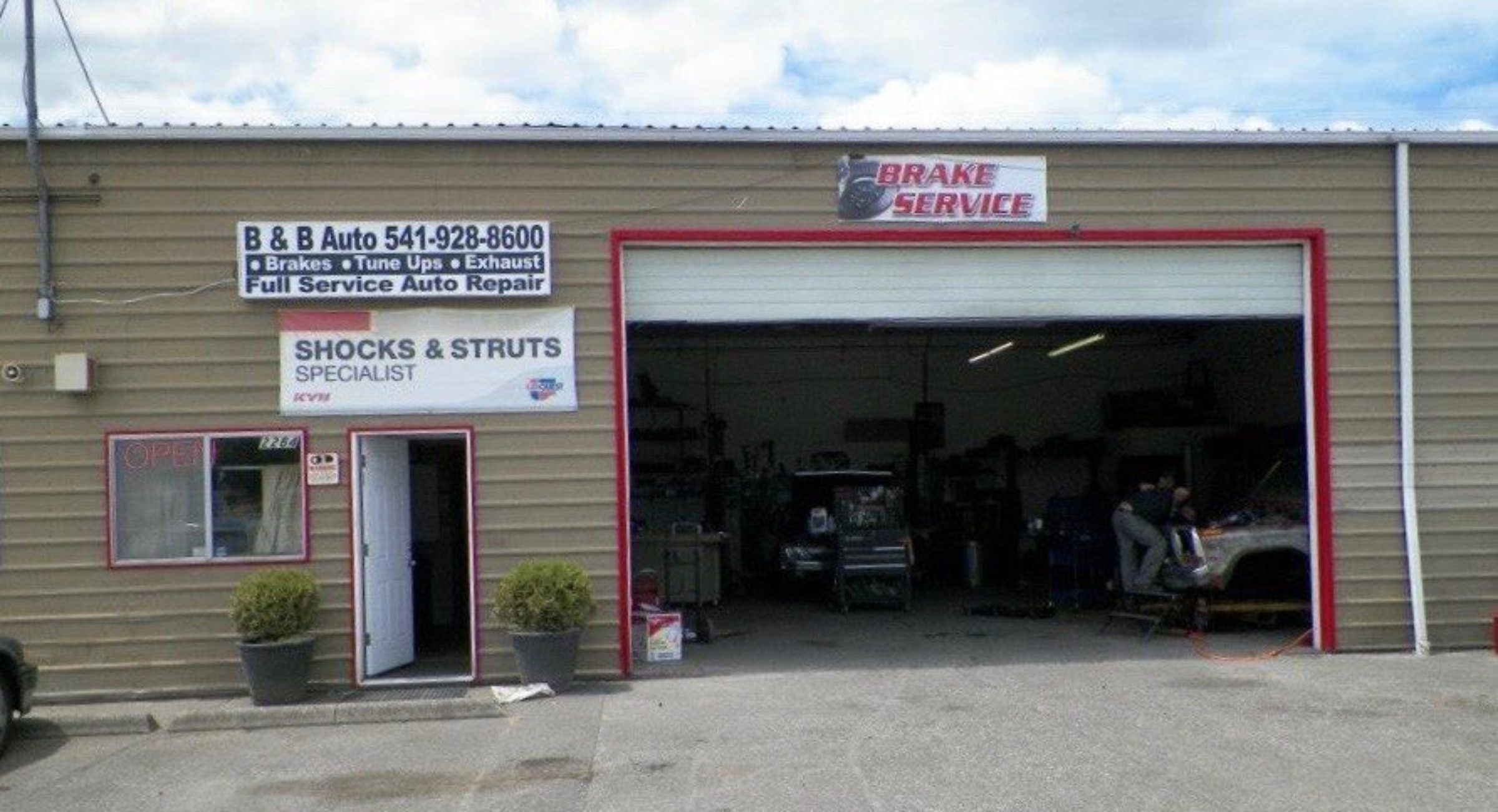 B & B Auto and Fab Shop Outside Front in Albany, Oregon