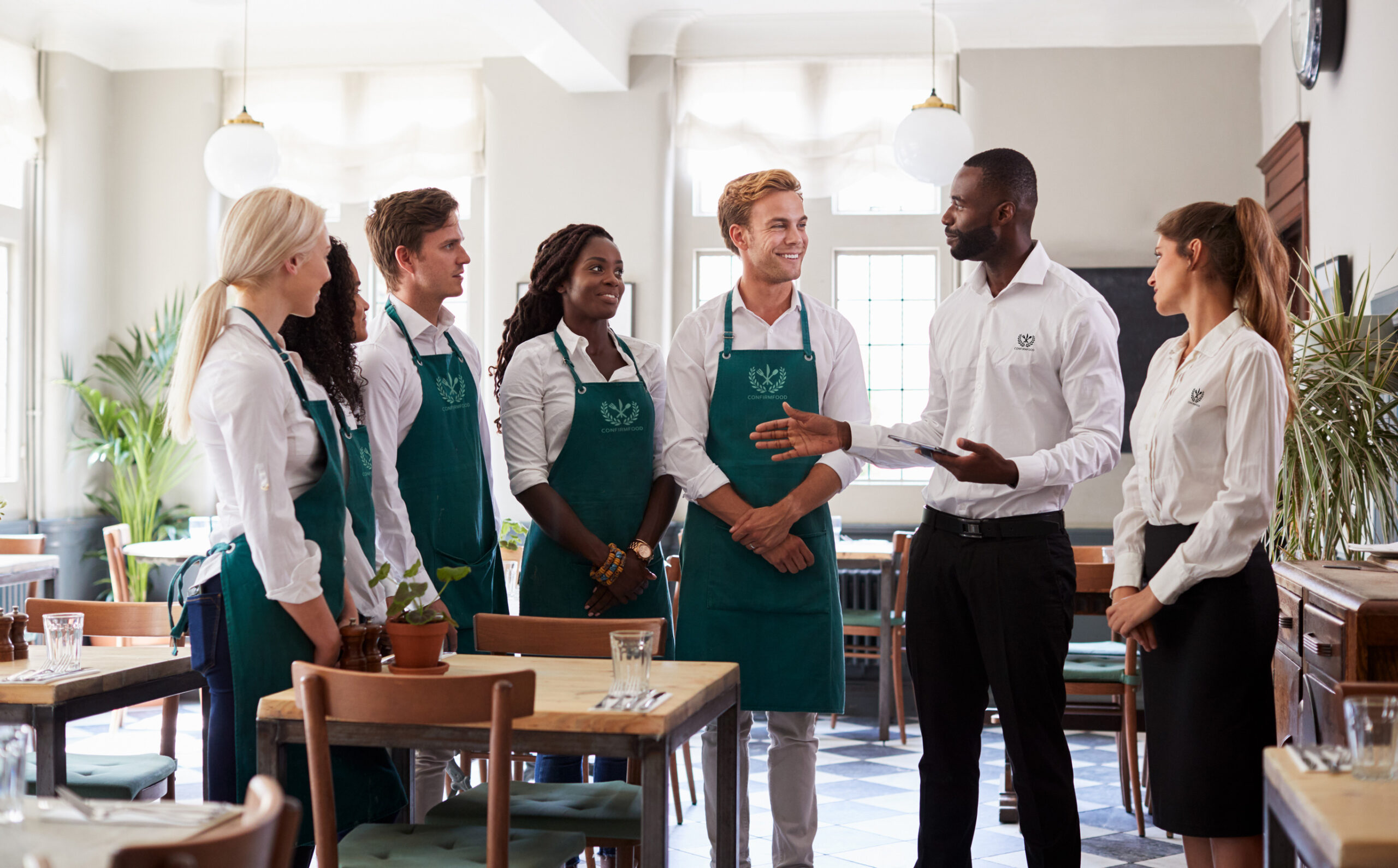 What to Include in Your Restaurant Staff Uniforms
