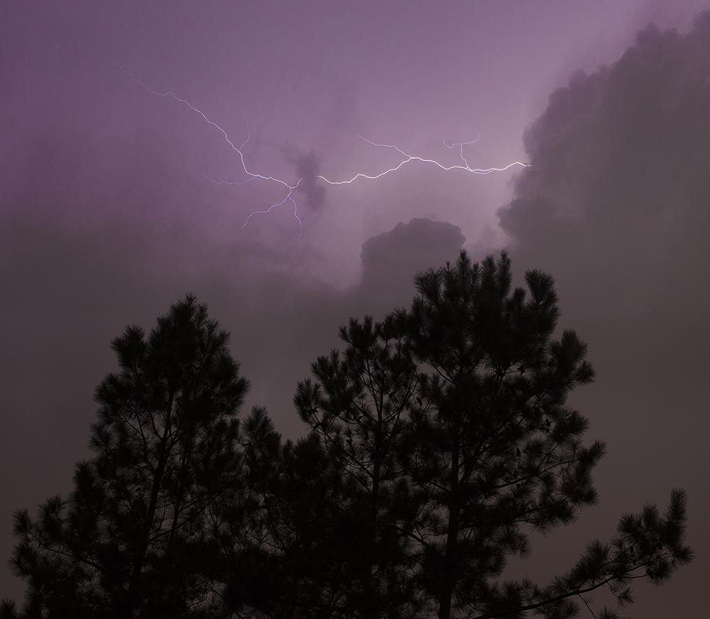Lightning strike, Guy Sagi, photographing weather, electric storm