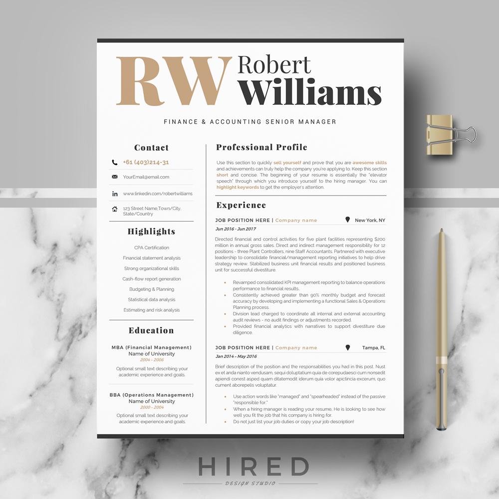 """Robert Williams"""