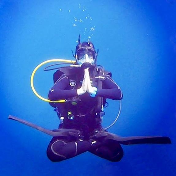 BTY teacher - Allison Underwater Lotus fixed