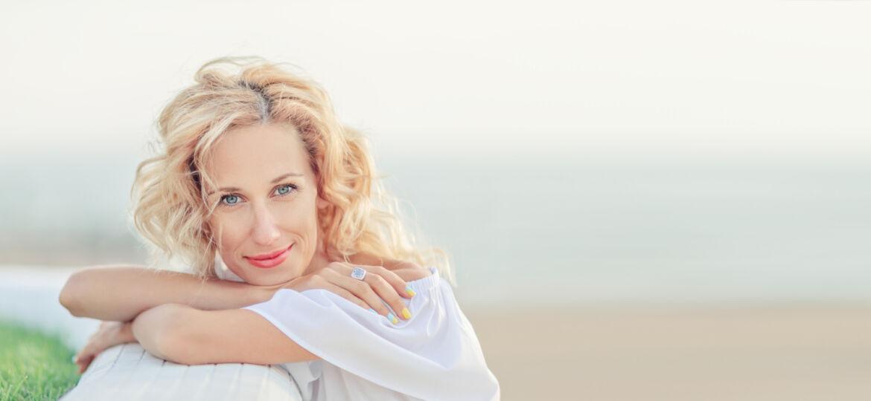 Mature woman of menopausal age_1600