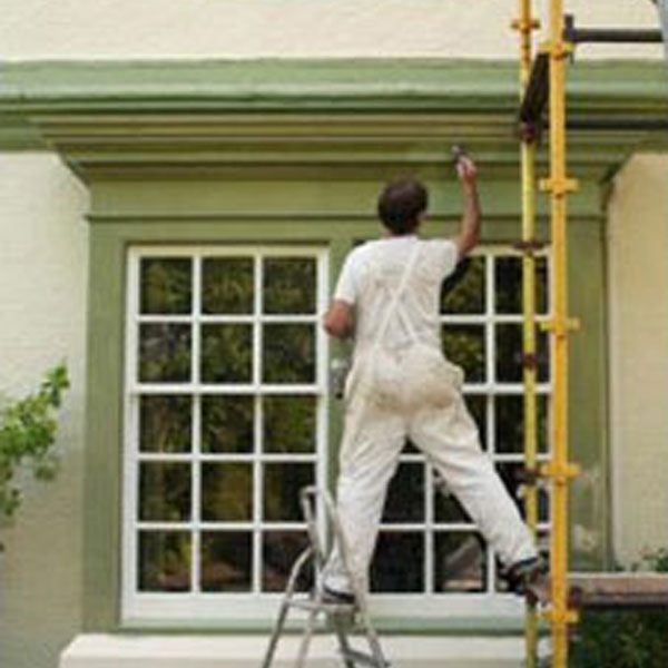 exterior painter, green trim