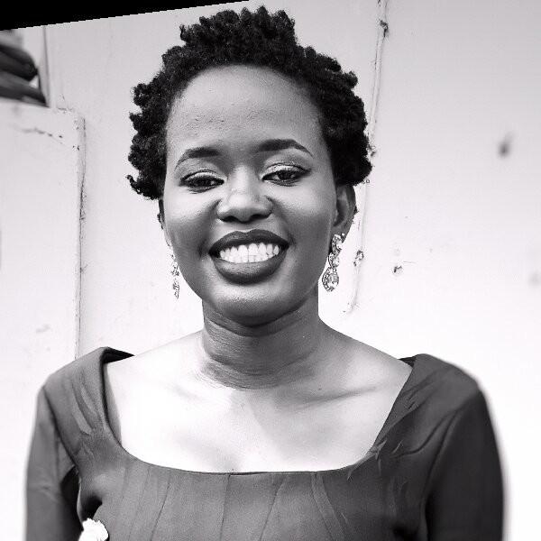 Chima Mmeje headshot, sharing her freelance marketing strategy as a copywriter