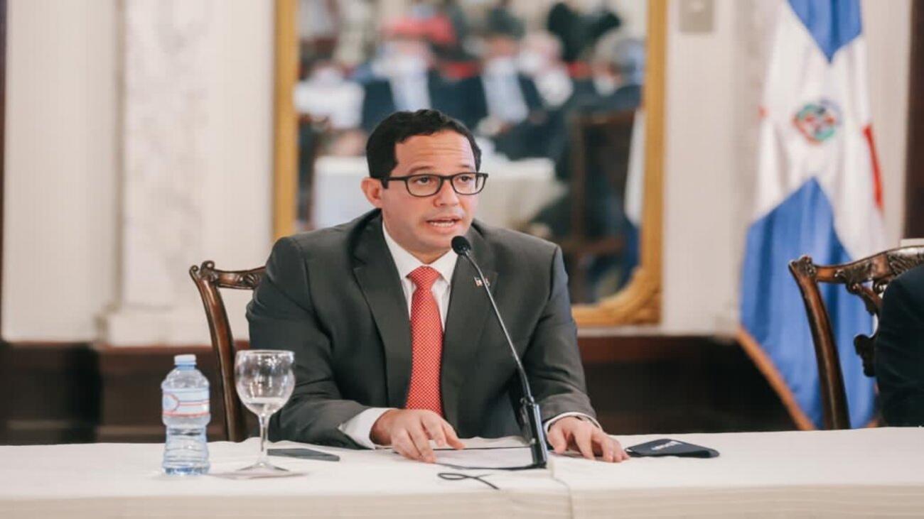 """""""Transparencia y la confianza marcan interés en gestión de Abinader"""""""