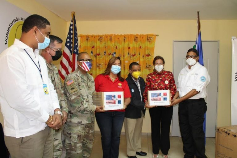 Embajada de los Estados Unidos dona insumos médicos al voluntariado en Puerto Plata
