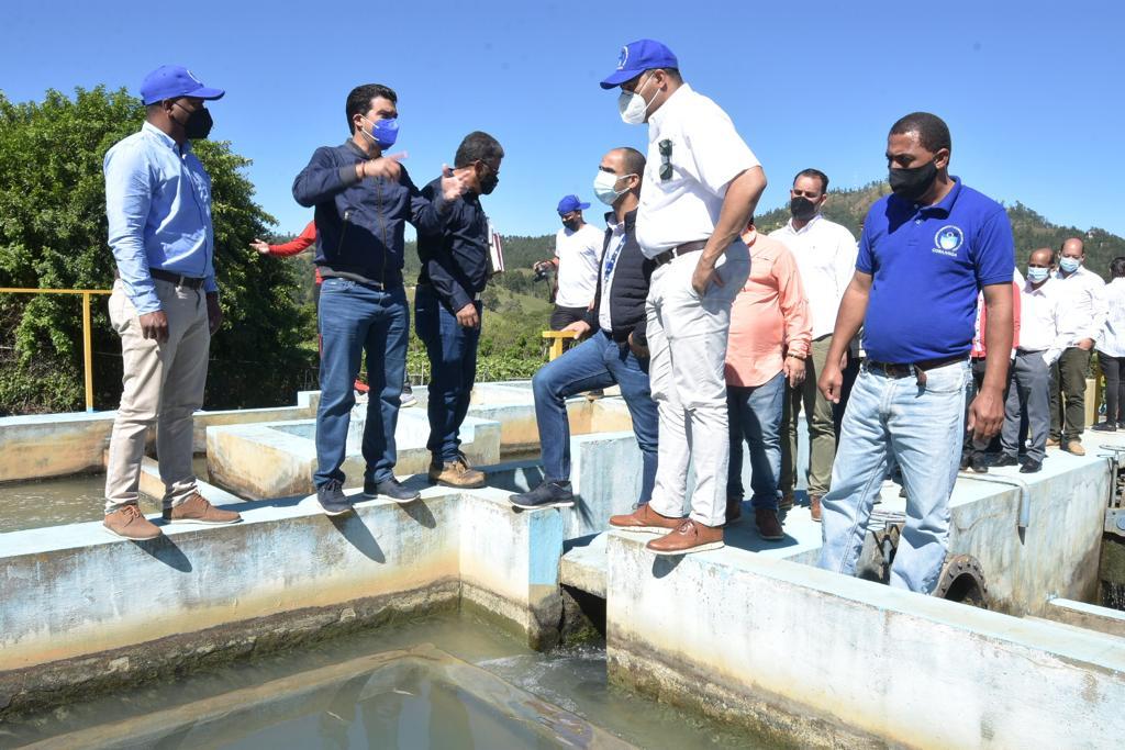 El INAPA y CORAAVEGA aúnan esfuerzos para restauraracueductos de La Vega