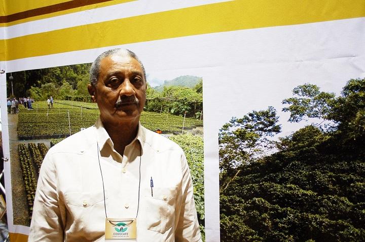 Cafetaleros piden a presidente Abinader acudir en ayuda del sector