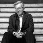 Noam Chomsky: Intereses electorales y económicos motivan campaña contra la salud reproductiva de las niñas y mujeres