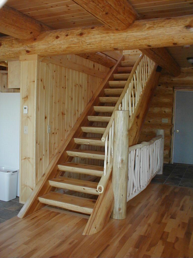 Log home log stairway