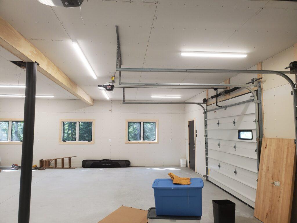 Garage and shop floor (1)