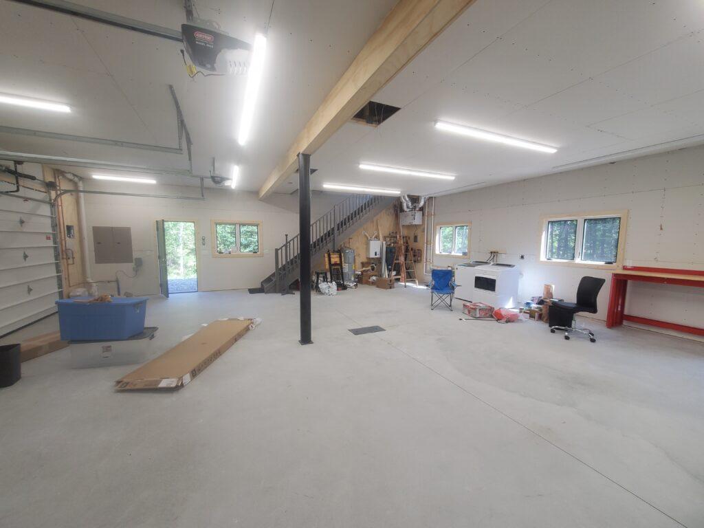 Garage and shop floor (4)