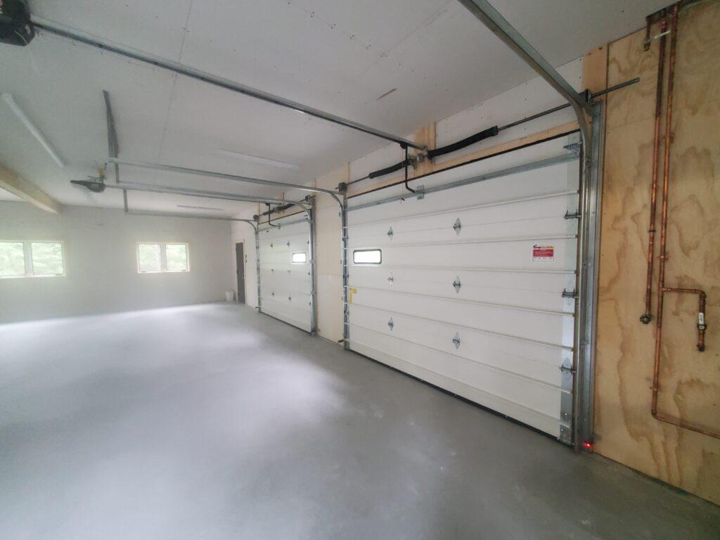 Garage level the barn (2)