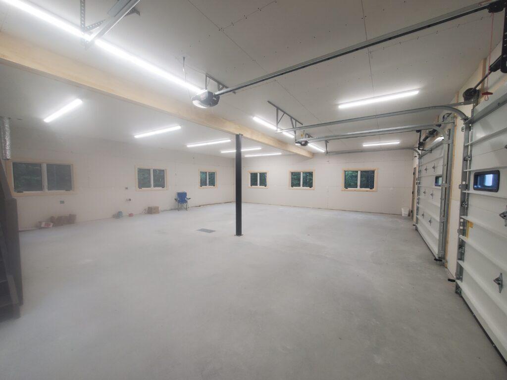 Garage level the barn (5)