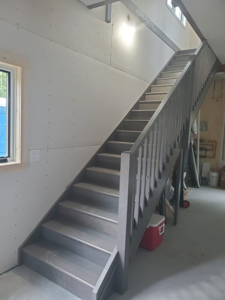 Stairs to 2nd floor (3)
