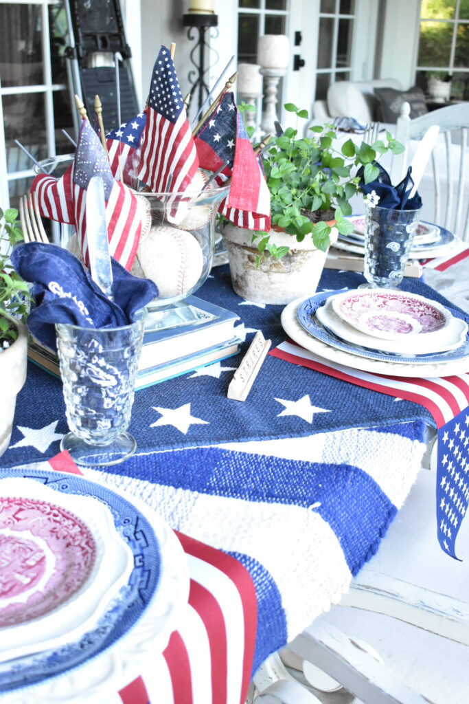 july 4th tablescape
