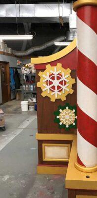 Galleria at White Plains - Santa's Workshop Desk