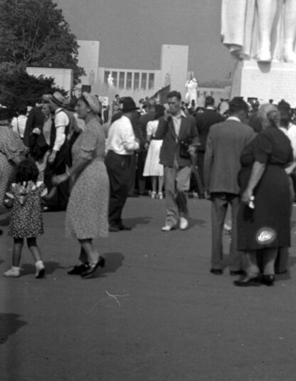 1939 New York World's Fair: The World of Tomorrow in Photographs Volume 2 image 3