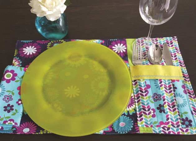 Picnic Table Placemat with Cutlery Pocket and Napkin