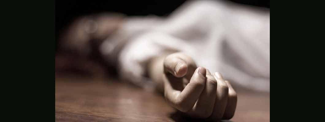 BREAKING NEWS-नॉयलन रस्सी के सहारे बैरक में ही लटकता मिला बलिया के सिपाही का शव, बनारस में थी तैनाती