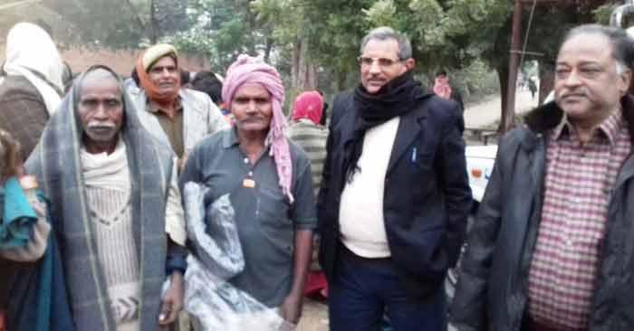 ताजपुर मुड़ियारी, कोटवा, खादीपुर, विशुनपुरा में एसडीएम ने बांटे कंबल
