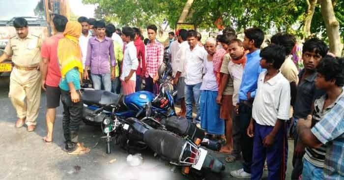 बनरबगिया के पास दो बाइकों की भिड़ंत में युवक की मौत, भाई गंभीर