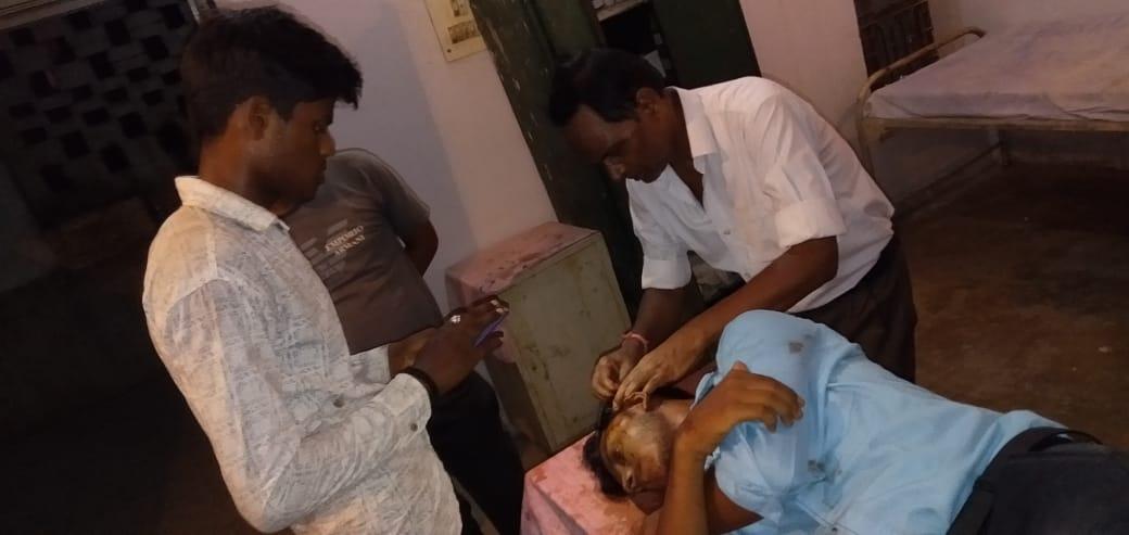 नवरतनपुर चट्टी के पास बोलेरो-टैम्पू की टक्कर, एक छात्र की मौत, 10 घायल