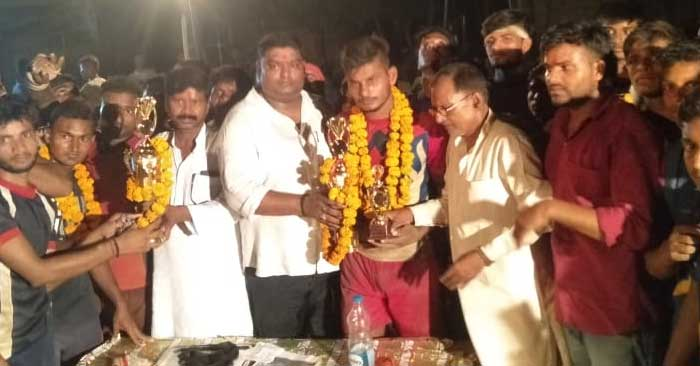 गायघाट की टीम ने जमाया शिल्ड पर कब्जा