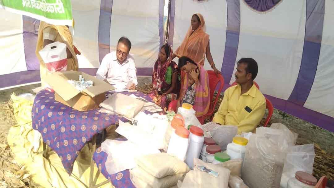 गंगा तट पर मेलार्थियों के लिए चिकित्सा शिविर