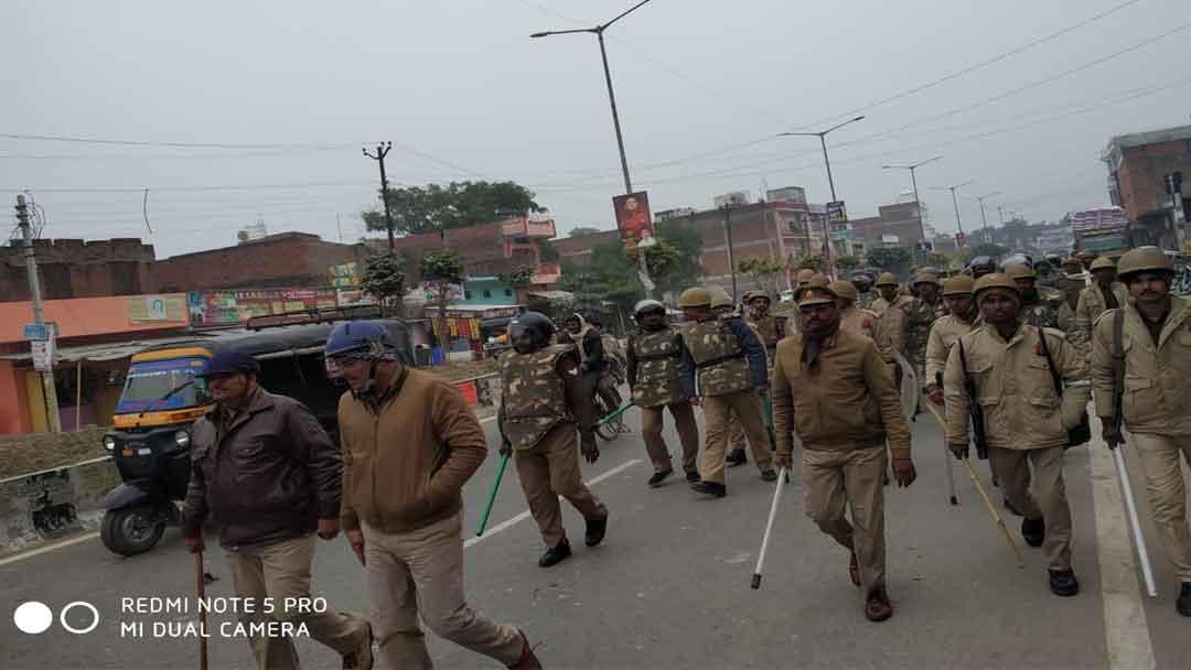 बलिया जिले के तमाम ग्रामीण-शहरी इलाकों में चौकस रही पुलिस