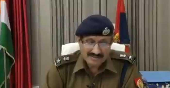 बलिया के पुलिस कप्तान की बड़ी कार्रवाई, चार इंस्पेक्टरों समेत दो दर्जन इधर से उधर
