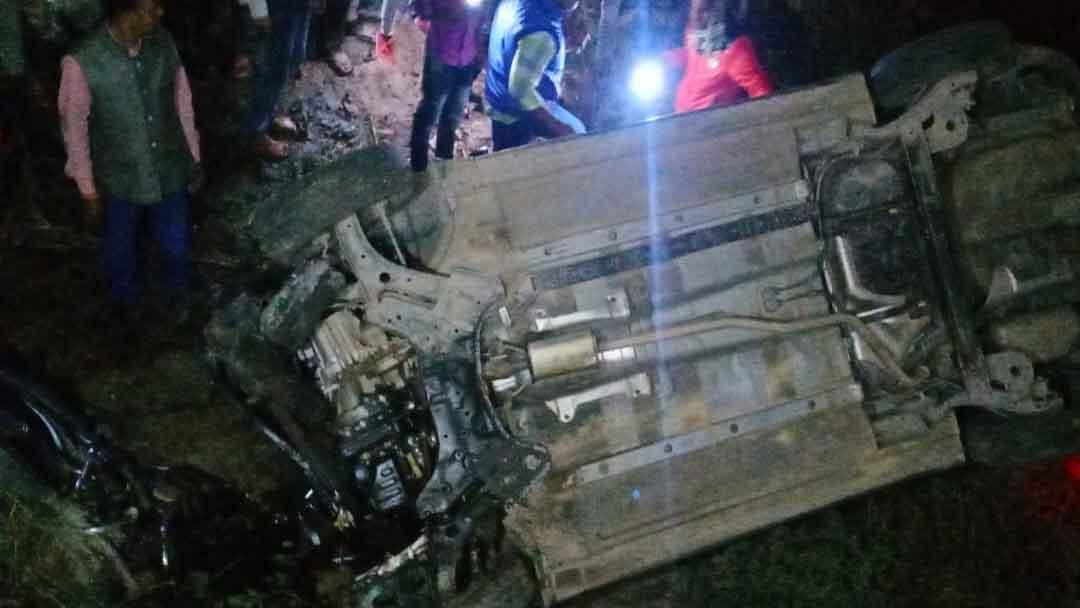 राजपुर गांव  के पास कार-बाइक की  भीषण टक्कर में तीन लोगों की मौत