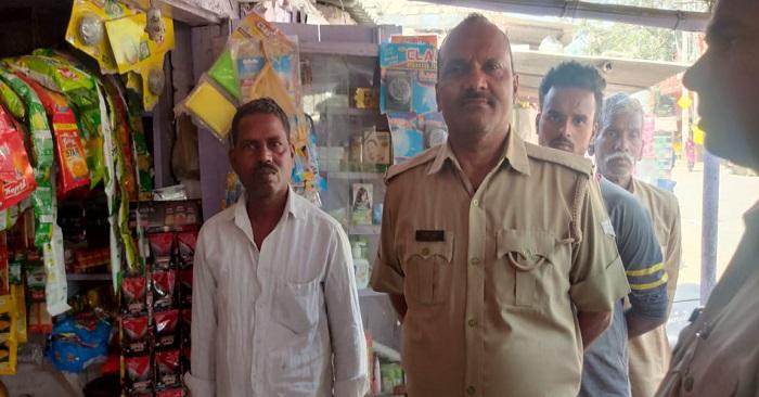 बैरिया में चोरों ने परचून की दुकान से हजारों रुपए चोरी किए
