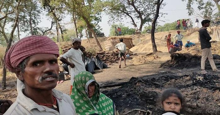 बैरिया में आग में डेढ़ दर्जन मड़हे जले, सैकड़ों कुंतल गेहूं और घरेलू सामान जला