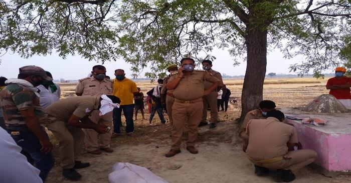 बांसडीह क्षेत्र में नीम के पेड़ से लटकता मिला युवक का शव