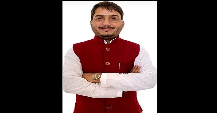 सपा नेता का भाजपा विधायक सुरेंद्र सिंह पर पलटवार, कहा 4 साल में क्या किया बताएं