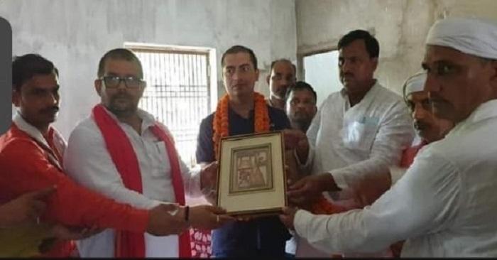 बिहार पीसीएस में चयनित चंद्रप्रकाश व मेधावी छात्र राहुल का हुआ अभिनंदन