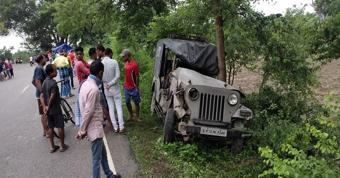 सिकंदरपुर में कमांडर गाड़ी और पिकअप की टक्कर, ड्राइवर की मौत
