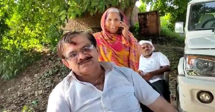 बैरिया के रामगढ़ में तहसीलदार के तरीके पर उठे सवाल, ग्रामीणों का आरोप बिना पैमाइश एक पक्ष को दिया कब्जा
