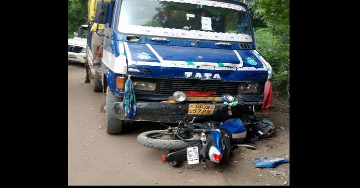 ट्रक चालक ने मोटरसाइकिल सवार को रौंदा, गम्भीर रूप से घायल